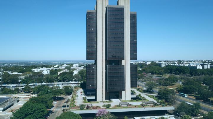 COMO FUNCIONA A ECONOMIA BRASILEIRA